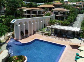 B- Villa Pueblito -8 Habitaciones -16 Huéspedes